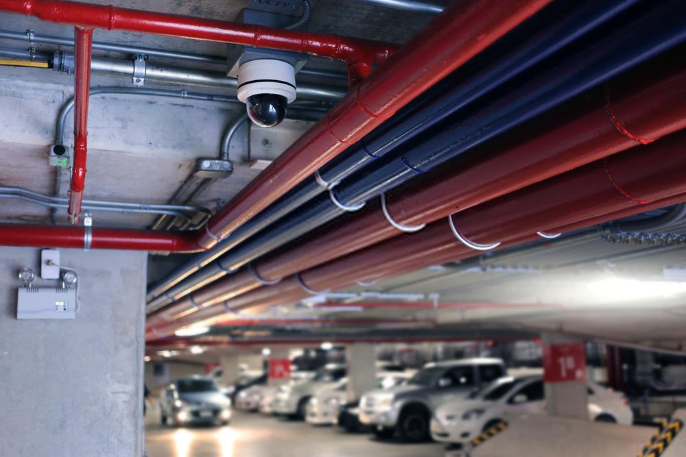 دوربین مداربسته در پارکینگ